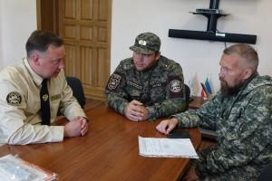 Vstrecha-direktora-zapovednika-Hakasskiy-s-novyim-pomoshhnikov-Agafi-Lyikovoy